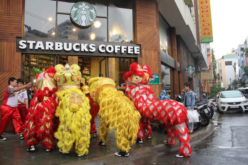 Khai trương StarBucks coffee 1-6-2014